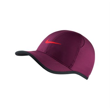 Nike Court Aerobill Featherlight Hat - Bordeaux/Black/Bright Crimson