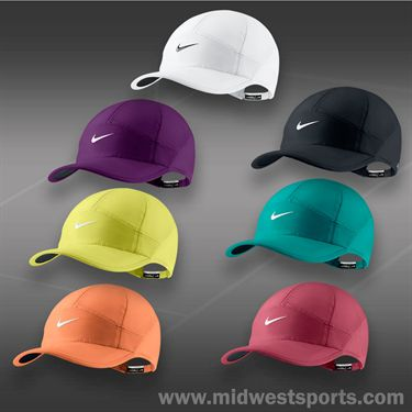 Nike Womens Feather 2.0 Light Hat