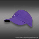 Nike Womens Feather Light Hat