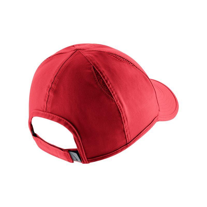 nike s featherlight hat black
